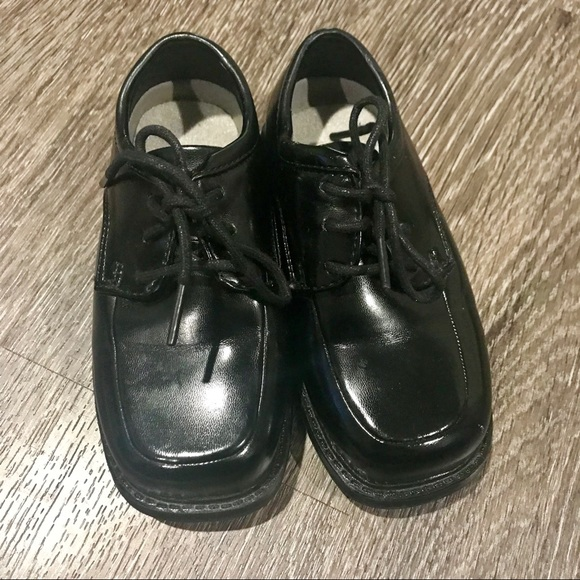 Deer Stags Shoes | Nwot Boys Dress Size